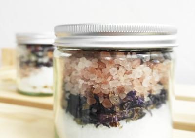 aromatyczne zdrowe sole do kąpieli - kosmetyki naturalne caramel